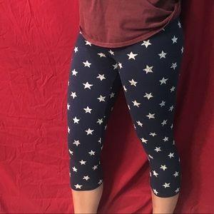 navy star print capri leggings